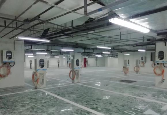 正尚国际金融广场充电站